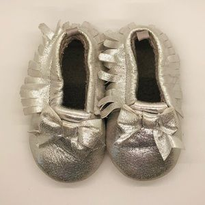Silver Early Walker Moccasins Size 6